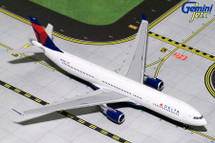 Delta A330-300 N823NW Gemini Diecast Display Model
