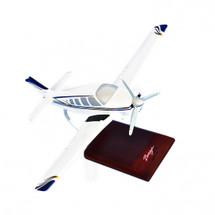 Beechcraft A-36 Bonanza 1/24 Mahogany Display Model