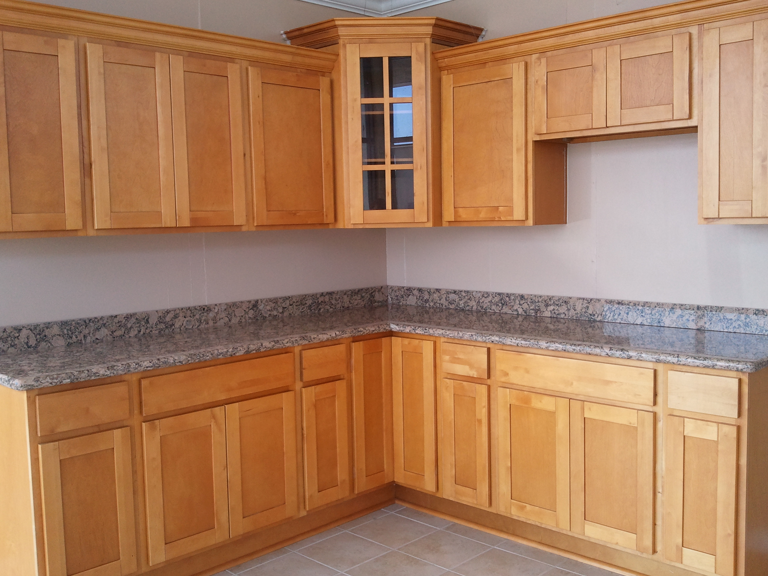 Discount kitchen cabinets sacramento for Shaker kitchen cabinets wholesale