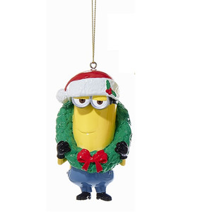 Minion Kevin Holding Wreath