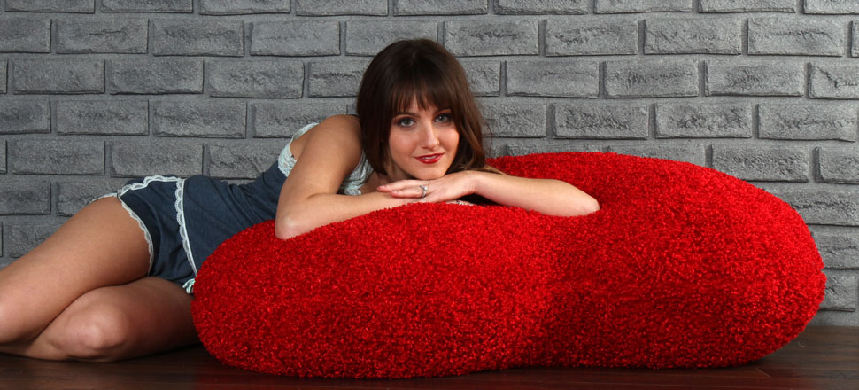 44in-massive-heart-shaped-body-pillow-for-valentine-s-day-970-440.jpg