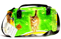 Duffel Bolsa - Green Cat - Hill Country Fare 4 Flavor Morsels