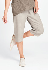 Tuck Capri in Natural Handkerchief.