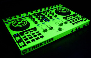 Native Instruments Kontrol S4 Skinz - UV Fluorescent