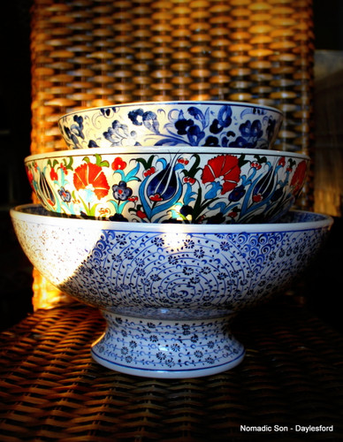25cm Footed Samur classic ceramic bowls - handmade and hand painted