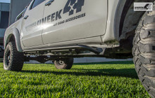 Toyota Hilux rock sliders