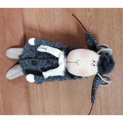 Sheep: Stewart in Winter Coat