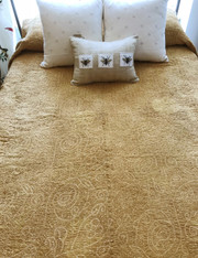 ""\Handmade Hand Stitched Cotton Bandhani INatural Dyed Quilt Bedspread  (88"""" x 96""""""180|234|?|en|2|08b166e09f4f30de56145ea561652545|False|UNLIKELY|0.3019132912158966