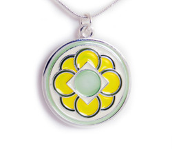 Four Flowers Pendant - Yellow/Green (Free Shipping)