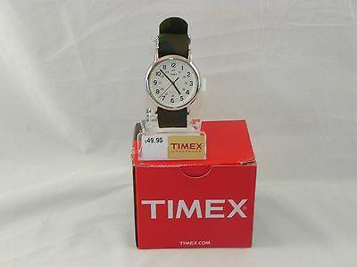 Đồng hồ Timex T2P365 Weekender