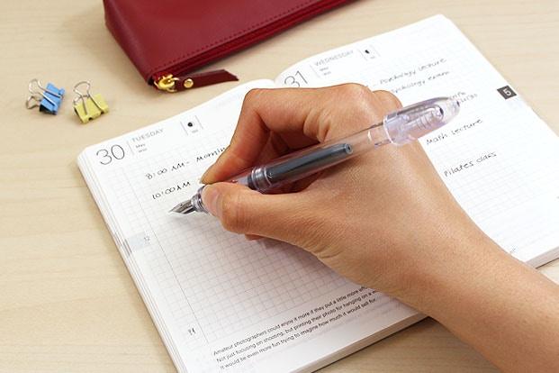 Chọn bút phù hợp với kích cỡ tay