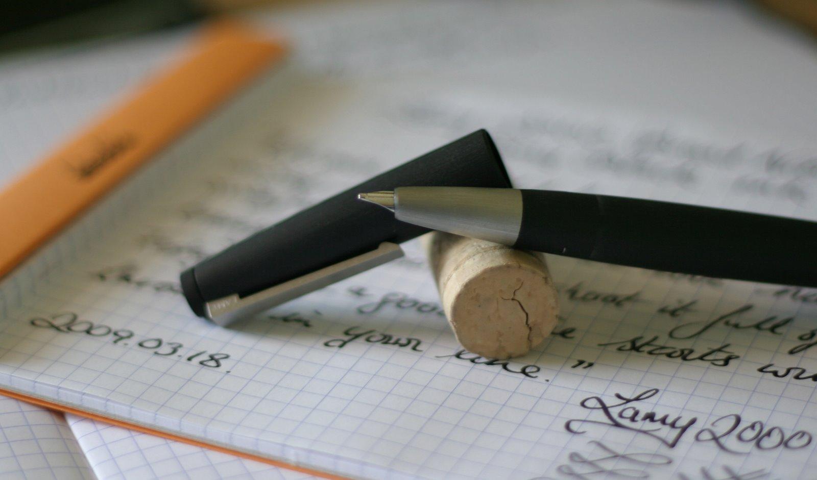 Bút máy Lamy 2000 - Màu đen - L01