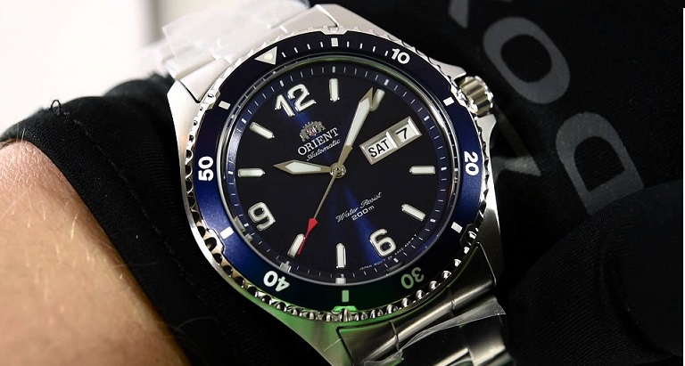 Đồng hồ Orient Blue Mako II thanh lịch