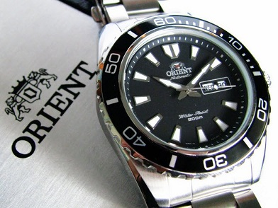 Đồng hồ Orient Mako XL CEM75001B