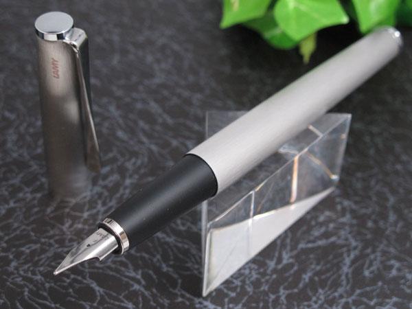 Bút máy Lamy Studio - Màu thép xước (Brushed stainless steel) L65