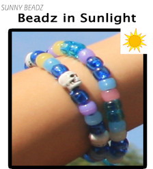 SKULL COLOR-CHANGE BLUE BRACELET IN SUN