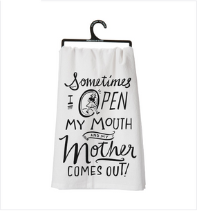 mom,funny,towel,black and white,mothers and daughters