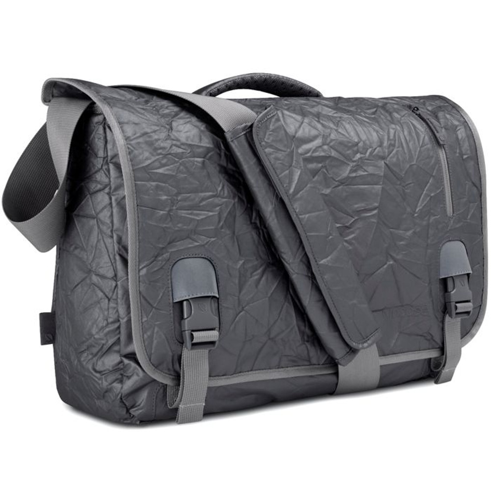 http://d3d71ba2asa5oz.cloudfront.net/12015324/images/cl55346-incase-alloy-messenger-bag-1__77865.jpg