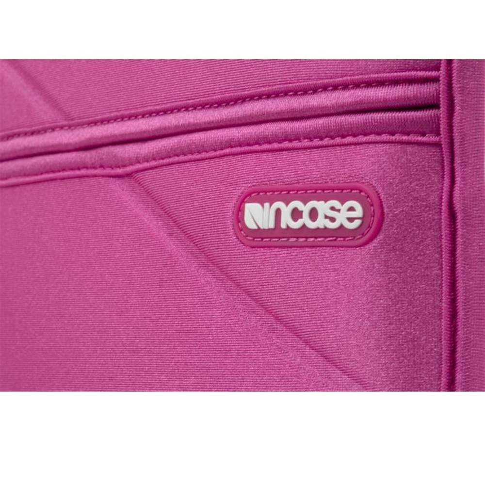 http://d3d71ba2asa5oz.cloudfront.net/12015324/images/cl57576-incase-origami-stand-for-ipad-pink-1__46754.jpg
