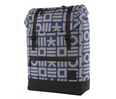 http://d3d71ba2asa5oz.cloudfront.net/12015324/images/cloak_backpack_blu_gry_front__94946.jpg