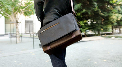 http://d3d71ba2asa5oz.cloudfront.net/12015324/images/aerio-aerio-messenger-bag-black-4963.jpeg
