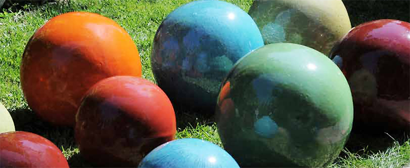 Outdoor ceramic balls