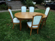 Maple Dining Table w 5 Chairs