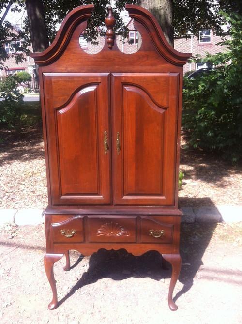 Queen anne cherry entertainment highboy forgotten furniture - Queen anne bedroom furniture cherry ...