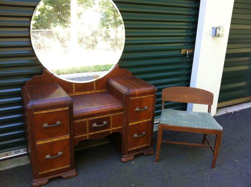 Antique art deco vanity w round mirror and bench for Antique vanity with round mirror