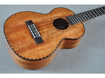Kamaka Tenor Deluxe Ukulele HF-3D Includes Case - 141561