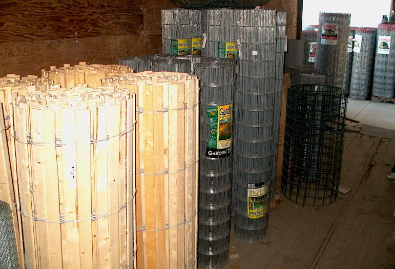 Wood fence or wire fence. We can get all sizes.