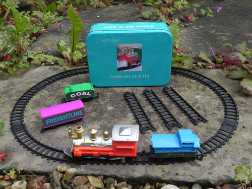 Train Set in a Tin - Gift in a Tin (101221)