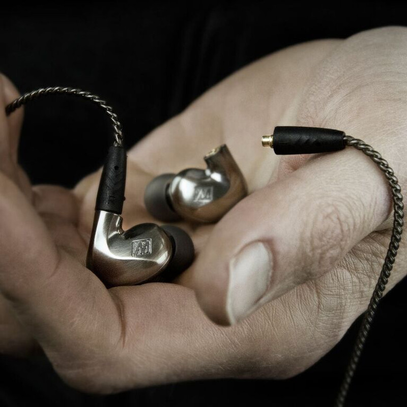 Mee Audio Pinnacle P1, in earphones with removable cables, in Canada at Headphone Bar