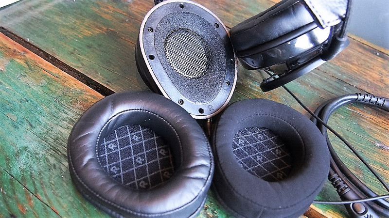 NightOwl Carbon leather and synthetic earpads