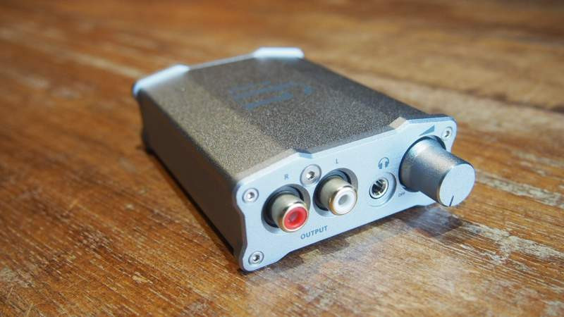 iFi  Nano iDSD LE budget dac, affordable high res, dsd 32 bit dac