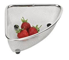 Mesh corner sink strainer that is perfect for placing your fruits or veggies as you're washing them!