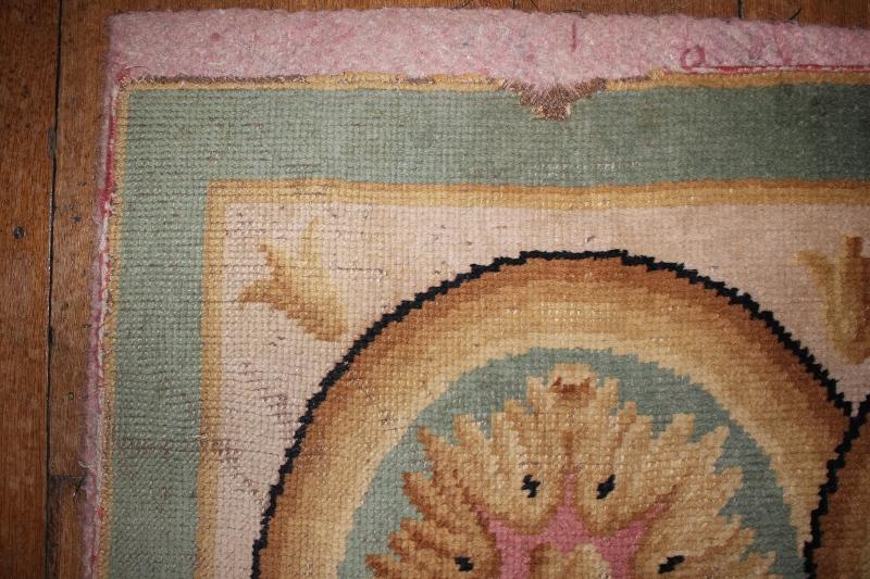 savonaire-carpet-corner-damage.jpg