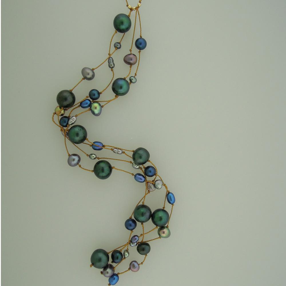milky way cascade - pearls - blue