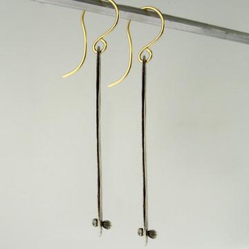 shape -crybaby 1 OX - rivet earrings