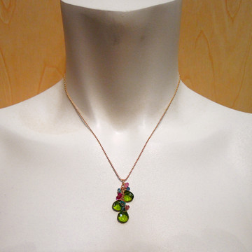 flirt - peridot mix on chain
