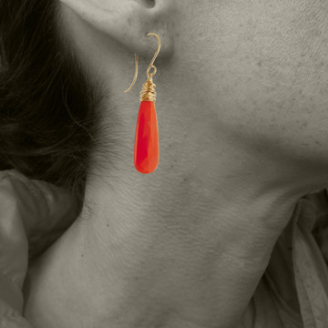Model is wearing carnelian in gold fill version - please admire for size reference only.