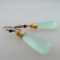 messy bessy - ET1 elongated teardrop green chalcedony 8c earrings