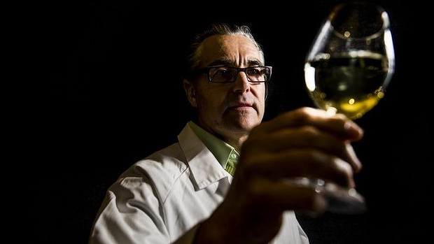 John Belsham judges the International Riesling Challenge