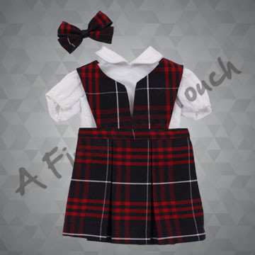 FT174- Split-Front Doll Top w/2-Pleat Skirt, Blouse and Bow for 18 inch doll