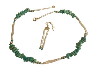 Icicle pearls with Turquoise. Necklace and earring set.
