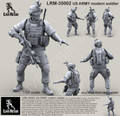 LIVE RESIN LRM-35002 - 1/35 US ARMY modern soldier # 2