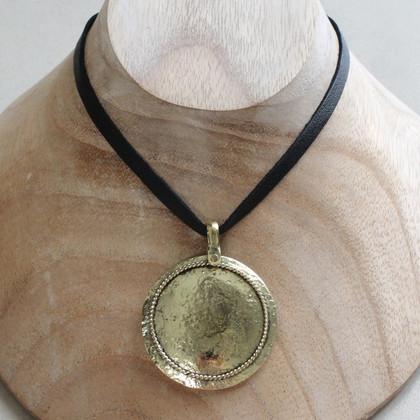Trend statement brass necklace
