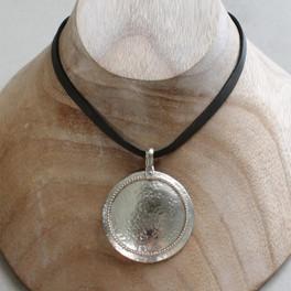 emerge necklace
