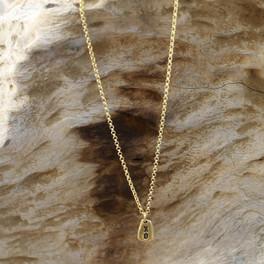Small XO pendant in gold