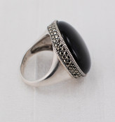 Onyx Ring, side view.